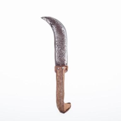 Oak root haft and blade in repurposed ancient steel