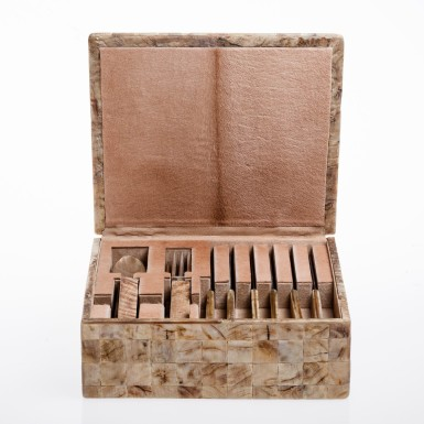Cutlery set box with cavallino leather lining